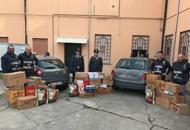 Alimenti scaduti e senza etichettaMaxi sequestro in un market| Foto