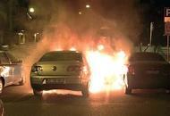 Incendio distrugge scooter e 4 autoUna ragazza: è stato il mio ex