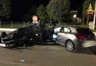 Violento scontro tra due auto,due persone ferite |Foto