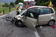 Scontro frontale tra due automuore una veneziana di 61 anni