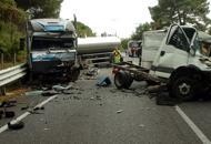 Scontro tra autocisterna e  furgone, due morti sulla Romea a Porto Viro