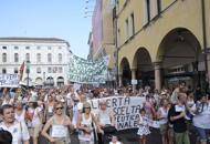 Padova, in tremila contro i vacciniVideo: intervista a Paolo Rossaro