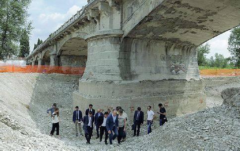 Il ponte sul piave a susegana chiude 300 giorni traffico for Ponte sul davanti della casa