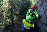 Rocca Pendice, la fune non tienealpinista scivola lungo la parete