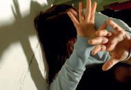 Violenta la figlia dei suoi amici Condannato a sette anni di carcere