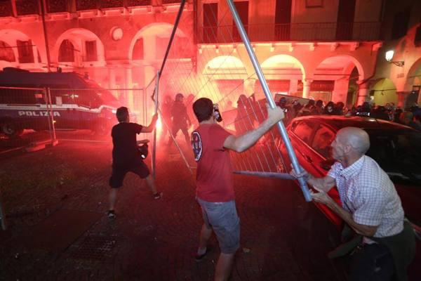 Padova il pedro e gli scontri di luned il sindaco for Pedro padova