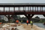 Bassano e Ponte degli Alpini, esperti «Il progetto non si cambia» | FOTOE restano gli inserti metallici