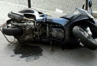 Con lo scooter contro un cancelloDonna muore uscendo dal lavoro