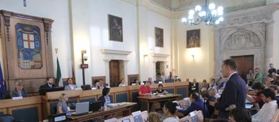 Padova, Lorenzoni va all'attacco | Vd«Minoranza mi sa più di minorata»Bitonci contro la giunta | Video