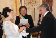 Red Canzian sindaco per un giorno«Sposa» il suo manager in ComuneGuarda il video della cerimonia