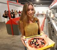 Nastri, forni e getti di salsaEcco la pizzeria automatica Guarda la fotogallery