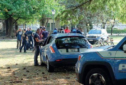 Blitz della polizia a campo marzo decine di controlli for Questura di vicenza permesso di soggiorno
