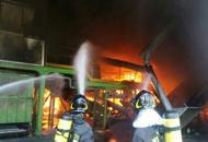 Treviso, incendio alla Vidori |Fotoin fiamme rifiuti pericolosi |Video