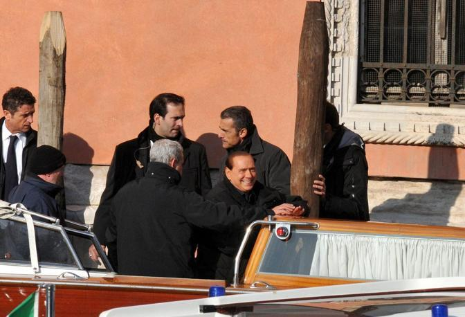 Il presidente del Consiglio Silvio Berlusconi a Venezia con la figlia Marina,  il sottosegretario Gianni Letta, il governatore Giancarlo Galan e il deputato Niccolò Ghedini
