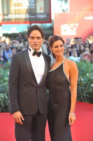 Manuela Arcuri e Gabriel Garco
