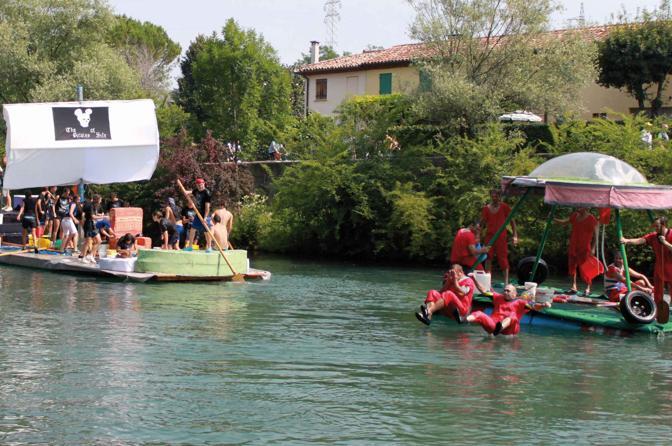 Una gara lungo il fiume Sile che si tiene solitamente nella prima domenica di luglio, in occasione della sagra dea Sardea. Silea (TV)