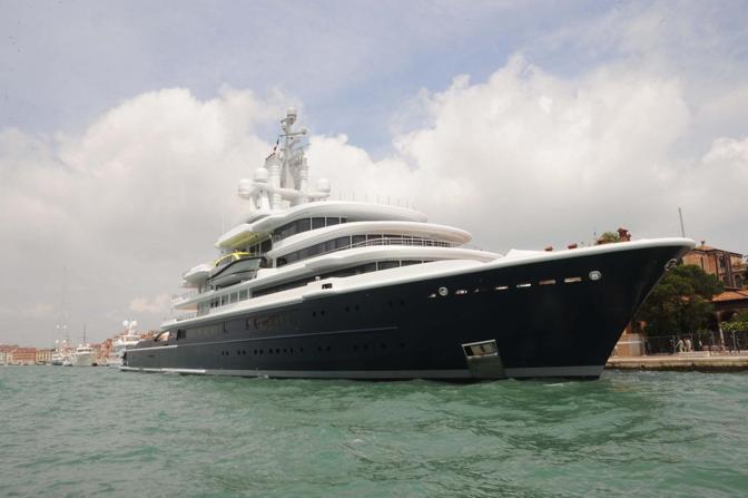Lo yacht di Roman Abramovich (Andrea Pattaro/Vision)