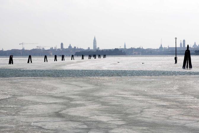 Laguna ghiacciata a Campalto e San Giuliano