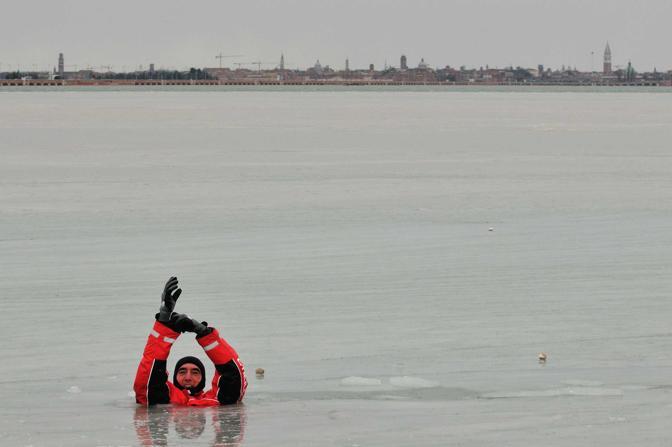 Venezia, punta San Giuliano. In canoa sul Pack della laguna (Matteo Bertolin)