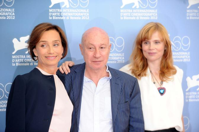 Cast del film Cherchez Hortense da sinistra Kristin Scott Thomas Pascal Bonitzer e Isabelle Carr