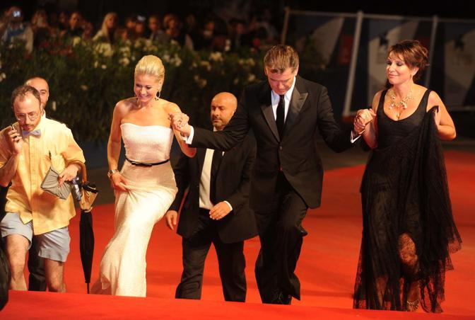 Premiere del film Love is all you need Pierce Brosnan con la regista Susanne Bier e Trine Dyrholm