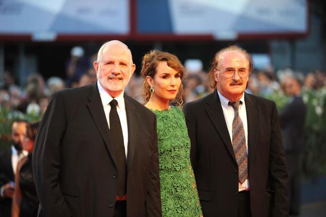 Brian De Palma sulla passerella con Noomi Rapace e il musicista veneziano Pino Donaggio