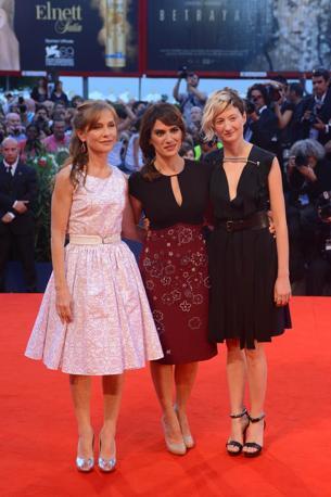 Isabelle Huppert, Maya Sansa e Alba Rohrwacher