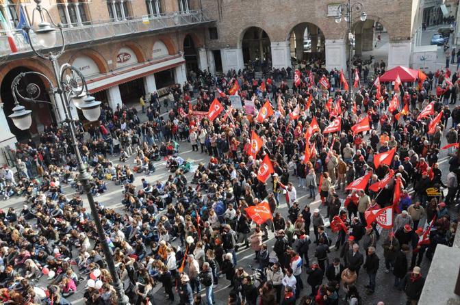 Treviso, la manifestazione generale Cgil in piazza dei Signori (Balanza)