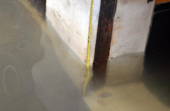 Venezia. La marea ha registrato una punta massima di 138 cm registrata alle ore 10 20. Strada Nuova