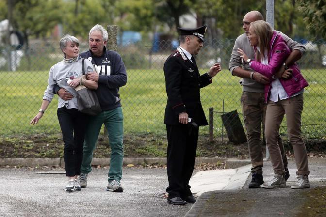 I carabinieri sul luogo dell'incidente