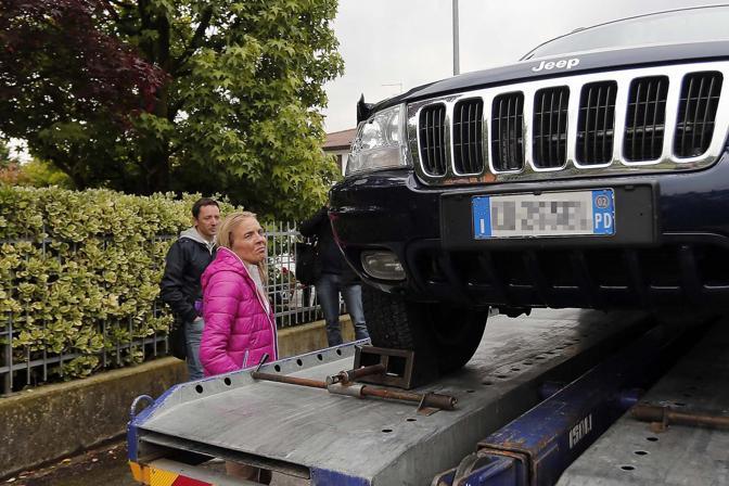 L'auto che ha trascinato Giulia Spinello