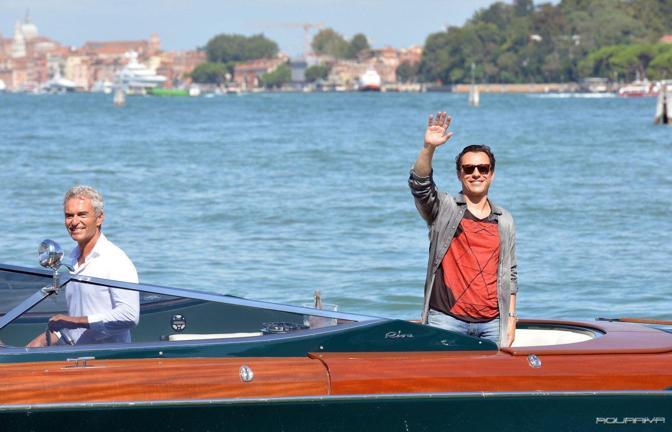 Mostra del Cinema, Stefano Accorsi arriva all'hotel Villa Laguna di Venezia