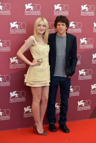 Dakota Fanning e Jesse Eisenberg