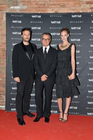 Eva Riccobono con il fidanzato Matteo Ceccarini e Luca Dini