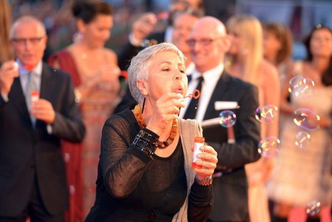 Mostra del Cinema. Emergency in passerella con Gino Strada, Riccardo Scamarcio, Ottavia Piccolo ed Eva Riccobono