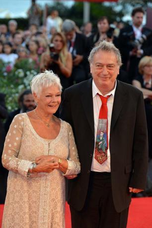 Il regista Stephen Frears con Judi Dench