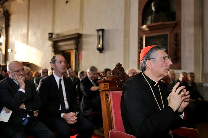 Il patriarca Francesco Moraglia, dietro di lui il governatore Zaia