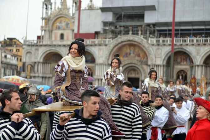 Venezia, le Marie arrivano in Piazza San Marco