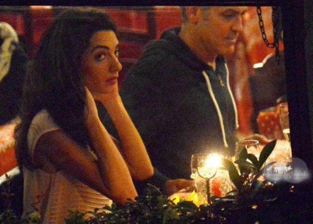 George Clooney a Venezia al ristorante Da Ivo mentre cena con la sua nuova fiamma Amal Alamuddin, avvocata specializzata in diritti umani