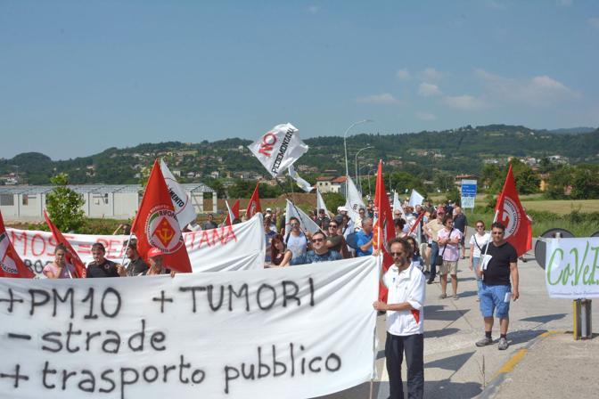 La manifestazione dei cittadini della Valle dell'Agno contro la Pedemontana