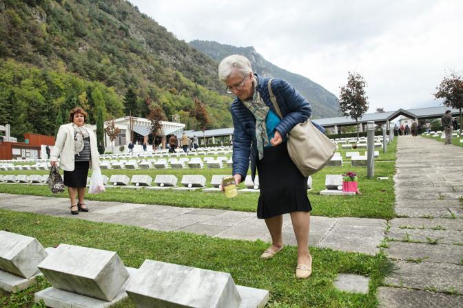 Anniversario della strage, cimitero delle vittime del Vajont a Fortogna
