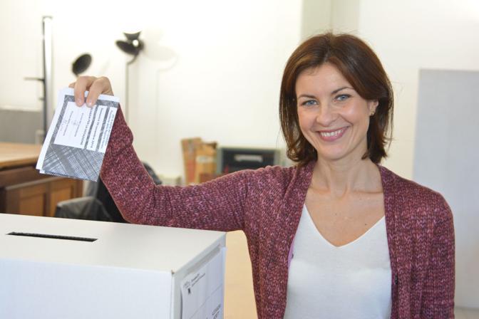 Vicenza, Alessandra Moretti al voto (Vito T Galofaro)