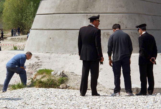Carabinieri e inquirenti al lavoro a Fagarè