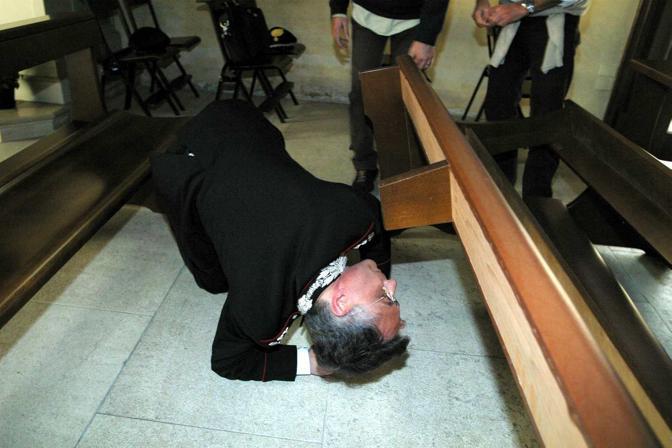 L'allora comandante del Ris di Parma nella chiesa di Sant'Agnese di Portogruaro dove fu trovato un ordigno