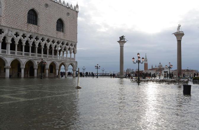 Acqua Alta , marea di 119 cm a Venezia