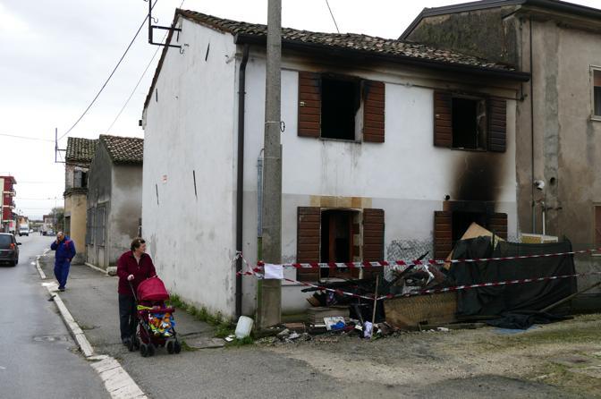 L'abitazione al mattino dopo l'incendio