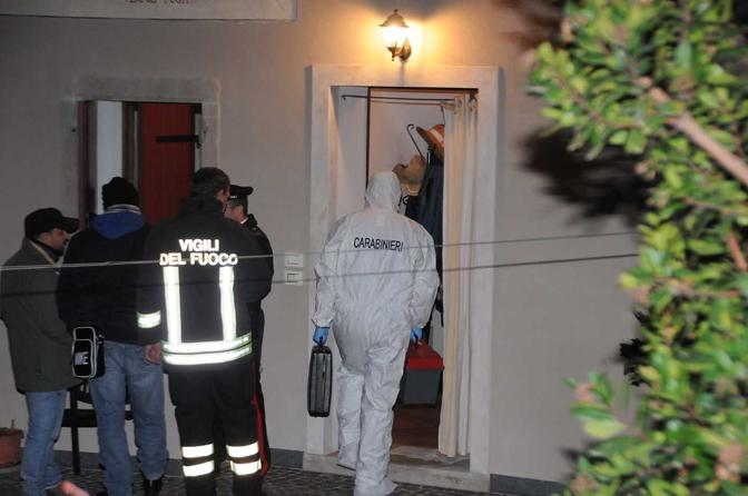 Refrontolo, i carabinieri e la scientifica sul posto (foto Balanza)