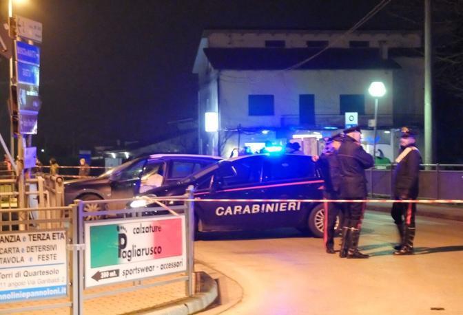 I carabinieri sul luogo dell'assalto armato