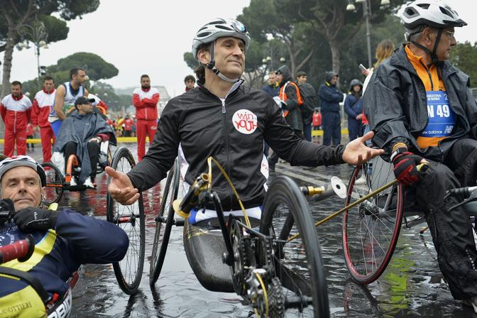 Alex Zanardi alla Maratona di Roma