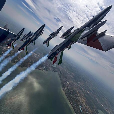 Foto tratta dal Facebook del comandante delle Frecce Tricolori, Jan Slangen